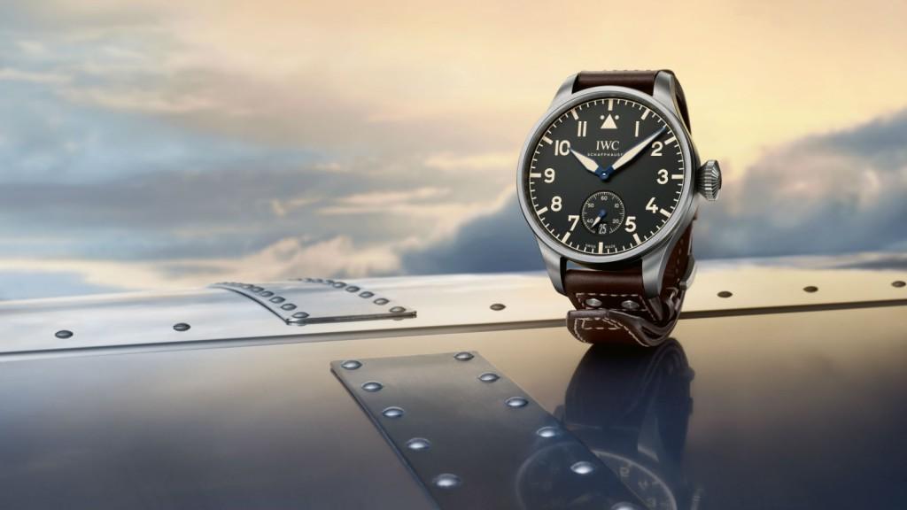 06_IWC_IW510301_Big Pilot's Heritage Watch 48_Mood_1600x900