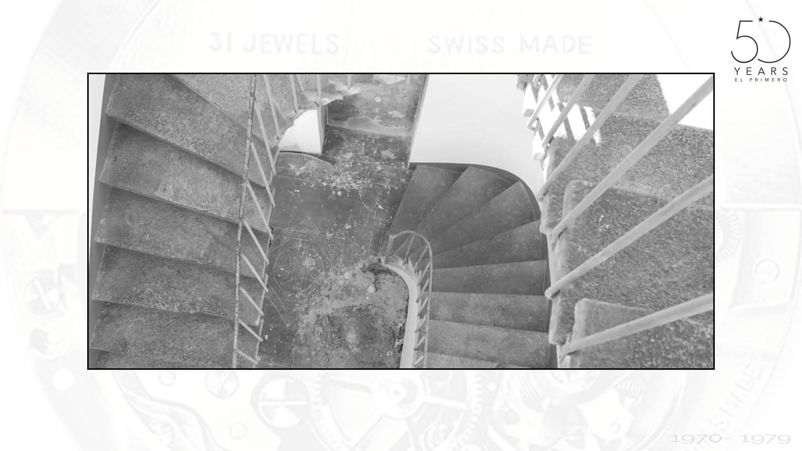 Stiegenaufgang zu der Kammer, in der Charles Vermot die Teile und Werkzeuge versteckte