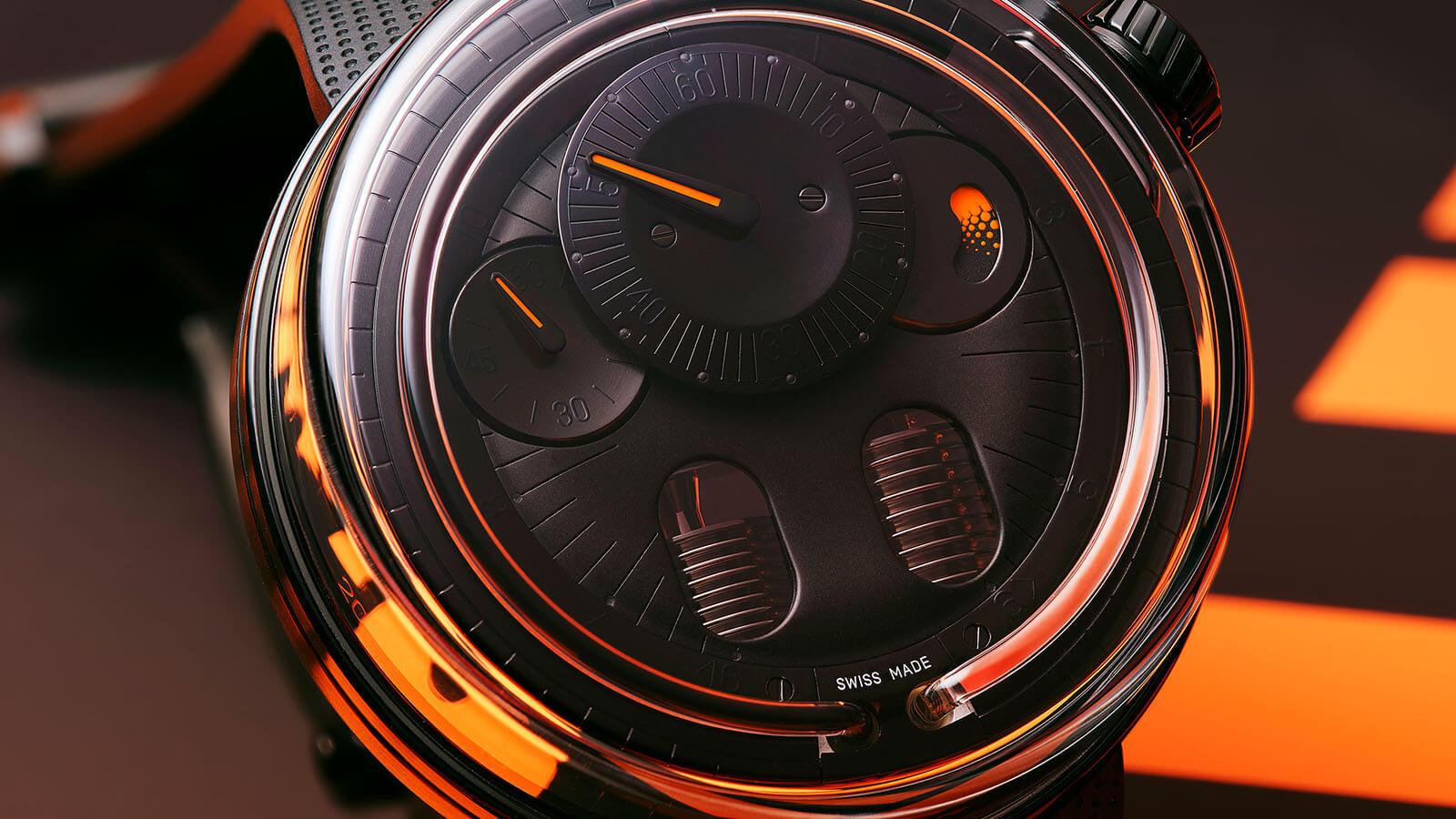 H0 von HYT Anzeige der Zeit mittles Fluid-Modul, Detailansicht Zifferblatt