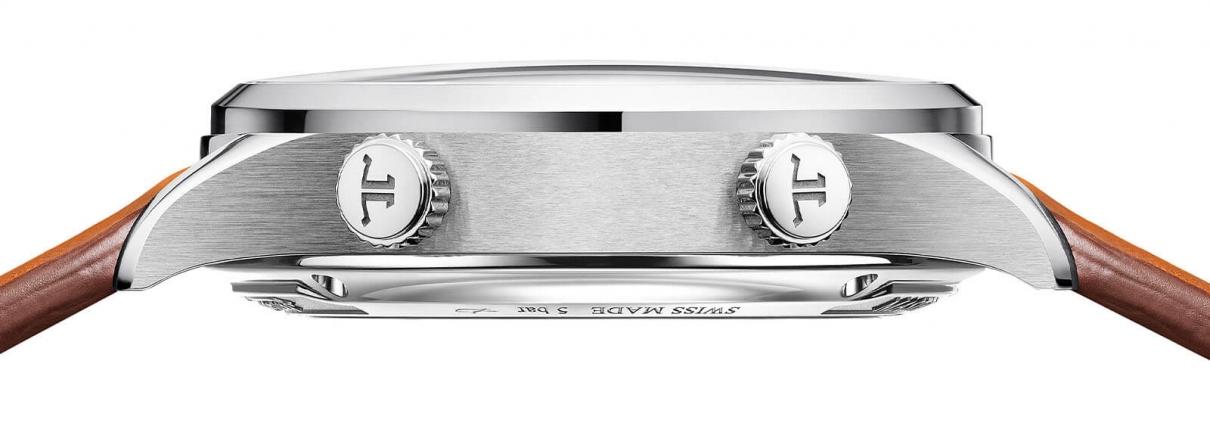 JAEGER LECOULTRE Master Control Memovox - The Sound Maker - Seitliche Ansicht der Uhr mit mechanischer Weckfunktion