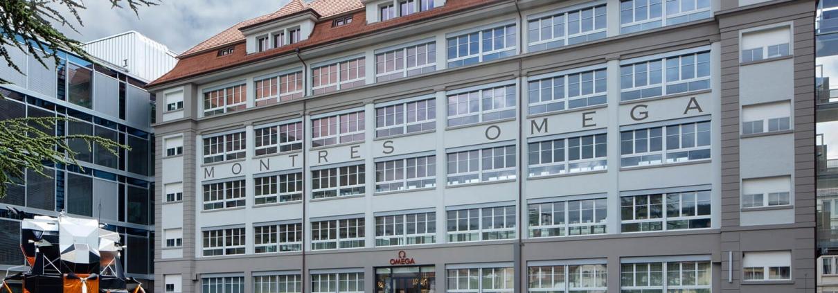 OMEGA Stammhaus in Biel (Schweiz) mit der neu eröffneten Boutique