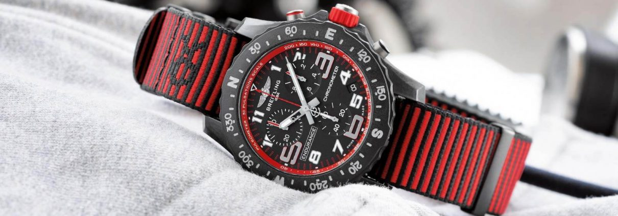 Breitling Endurance Pro in rot mit rotem Band