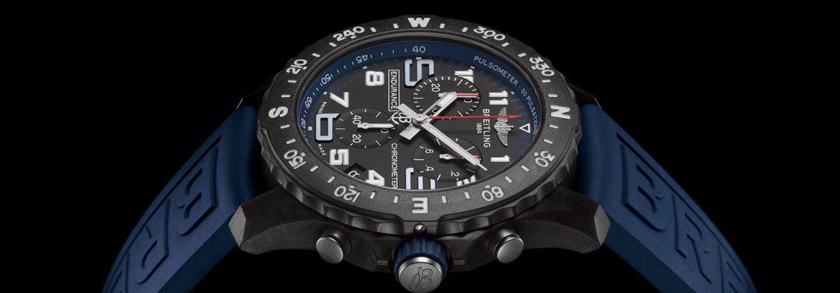 Endurance Pro von Breitling mit blauen Akzenten und blauem Diver Pro Kautschukarmband