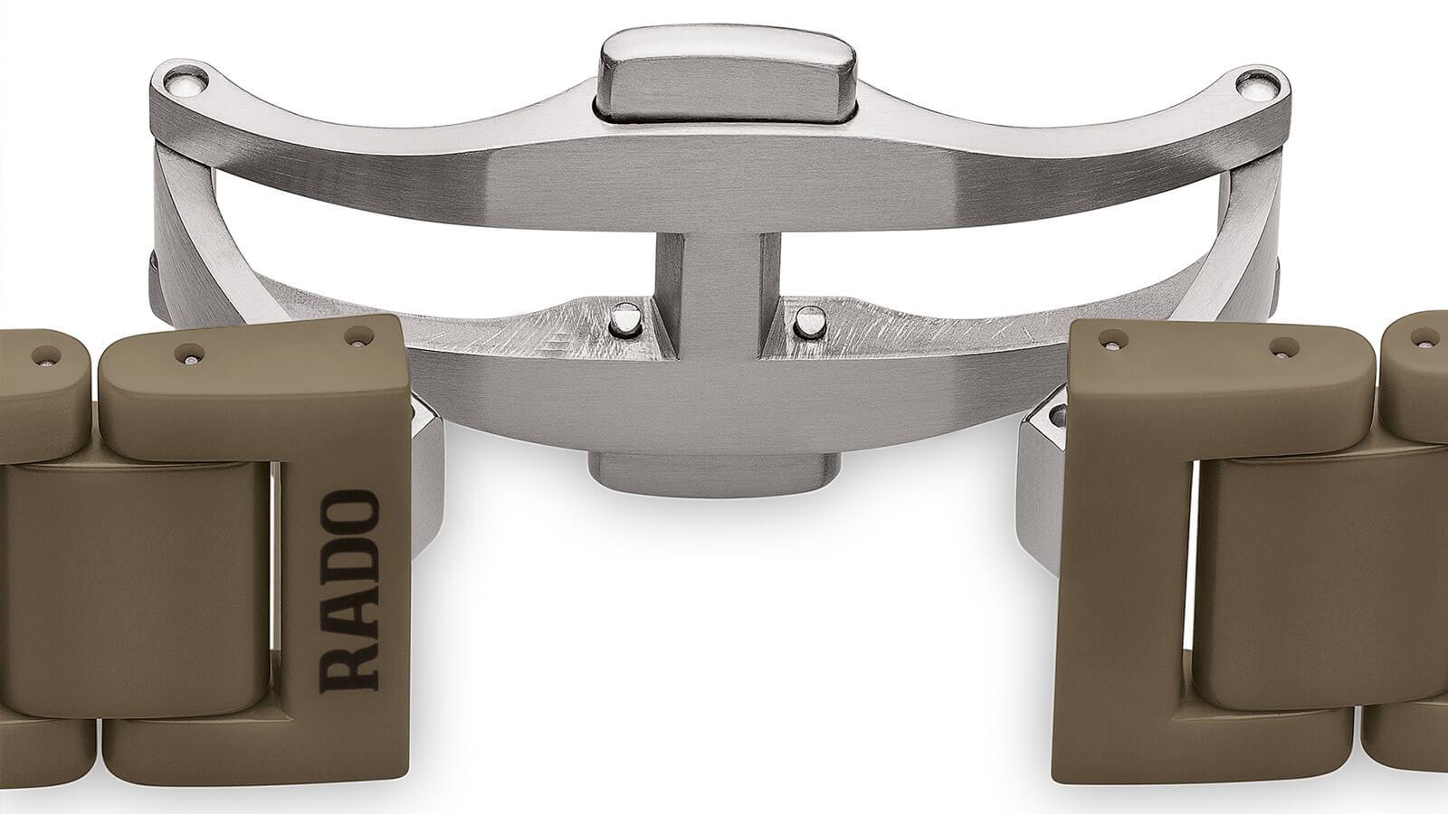 3-fach Titan Flatschließe bei RADO True Thinline Anima in Matt-olivgrünem Hightech-Keramikgehäuse